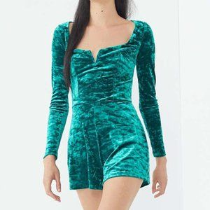 UO Urban Outfitter Green Velvet Sasha Romper S/P